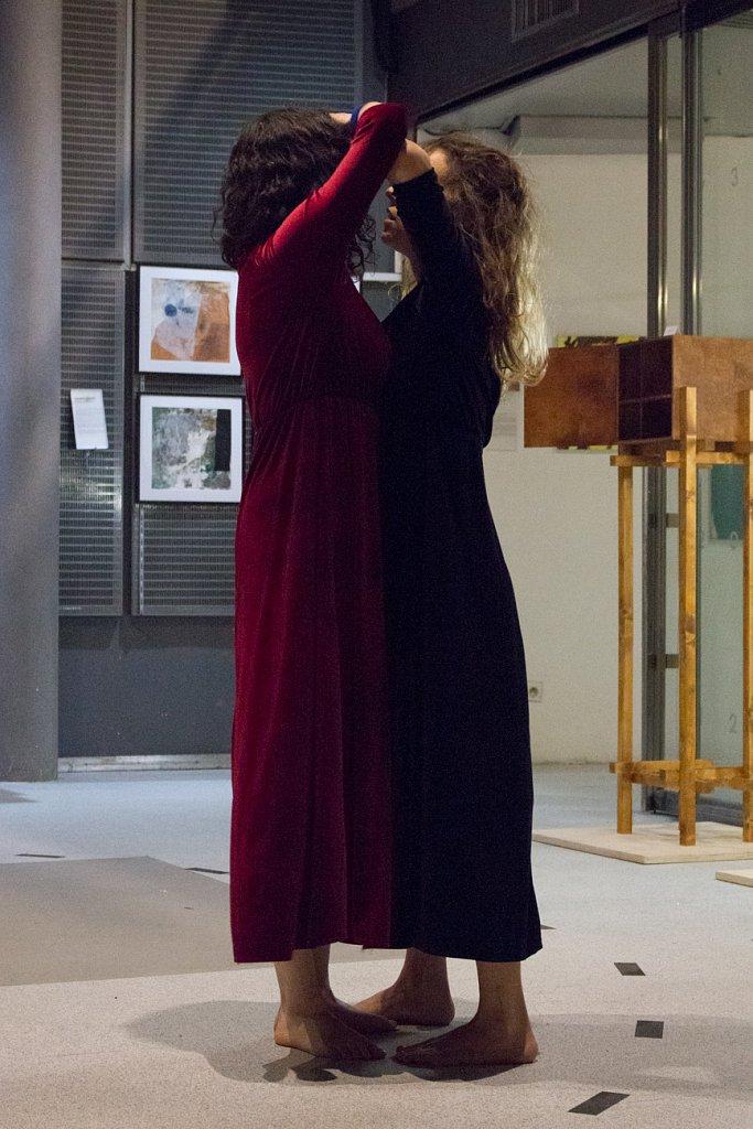 Performance L'Illusion d'une Fusion, May Rohrer & Paula Alves, 2019, Villette Makerz, Paris